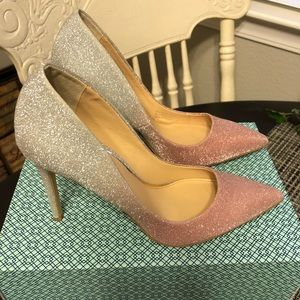Holiday shoes size 7
